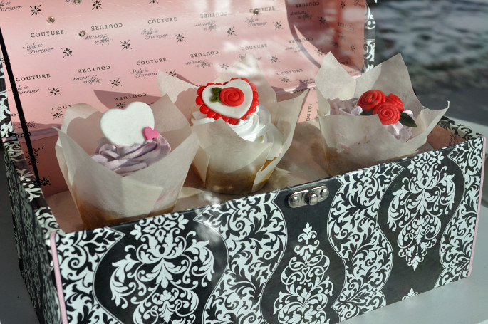 Thimble_Cakes_Valentine's_Offerings