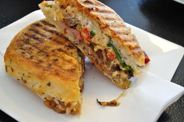 Chez Edgar, roast beef sandwich - Food Gypsy