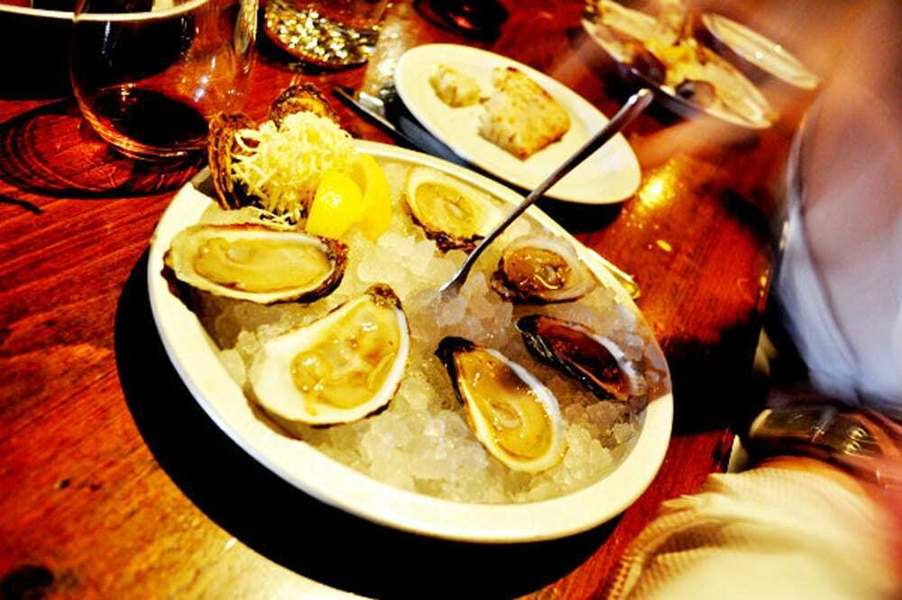 The Whalesbone, St. Simone Oysters - Food Gypsy