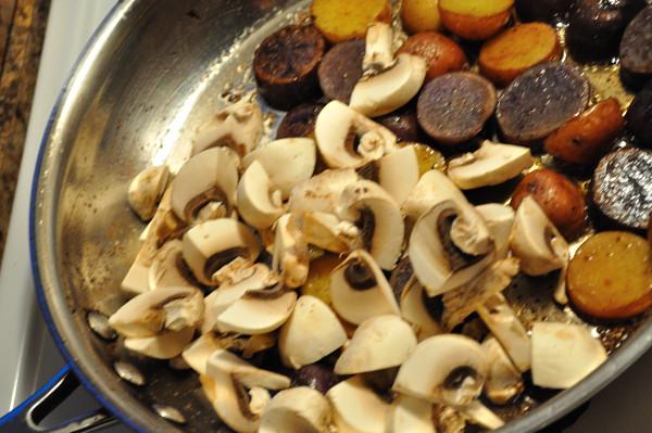 Mushrooms & potatoes - Food Gypsy
