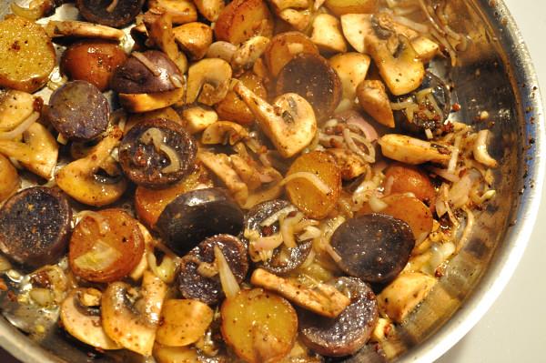 Potatoes, mushrooms & scallops - Food Gypsy