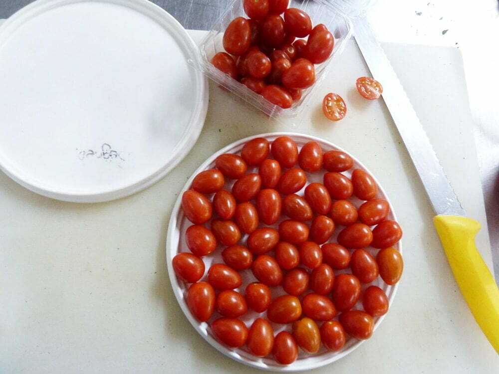 How To Cut Cherry Tomatoes - Food Gypsy